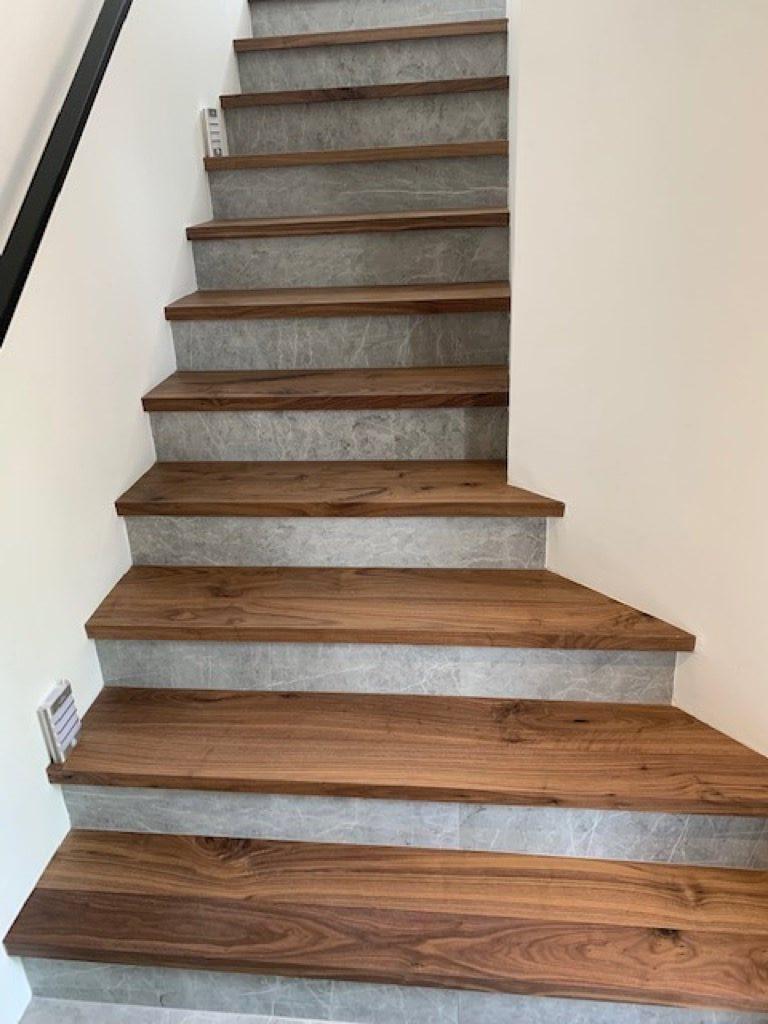 Hardwood floor steps for a brand new custom staircase